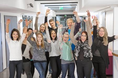 Mikkeli là một tổ chức giáo dục mang tầm vóc quốc tế, hàng năm, có hơn 300 du học sinh từ các quốc gia trên thế giới đến theo học. Trường hiện có hơn 4.500 sinh viên đang tham gia học tập và khoảng 200 giảng viên cơ hữu.