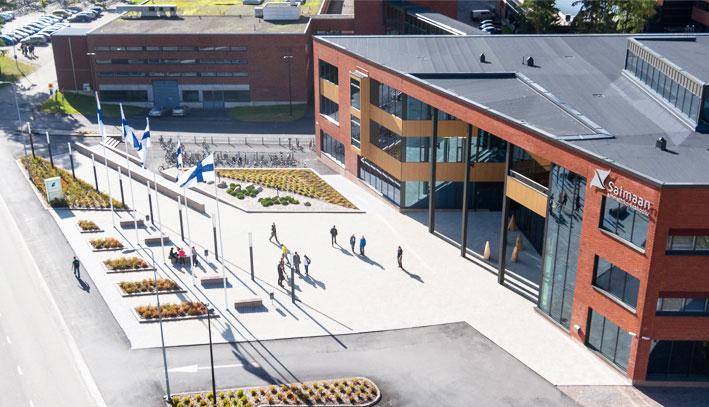 Hiện trường có hơn 3.000 sinh viên đang tham gia học tập và khoảng hơn 200 sinh viên quốc tế, cùng với 260 cán bộ giảng viên. Sinh viên quốc tế là bộ phận không thể tách rời trong môi trường quốc tế của Saimaa, góp phần tạo nên một môi trường học tập và làm việc đa văn hóa.